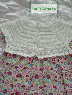 Parte de trás de vestidinho em crochê feito por mim com muito amor para uma princesa❤💖