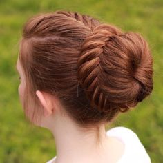 Neatly done French fishtail into a lace fishtail bun by aurorabraids. ~ This hurts my head, trying to figure out how to do it, but it's pretty! Party Hairstyles, Trendy Hairstyles, Girl Hairstyles, Braided Hairstyles, Bridesmaid Hairstyles, School Hairstyles, Updo Hairstyle, Braided Updo, Wedding Hairstyles