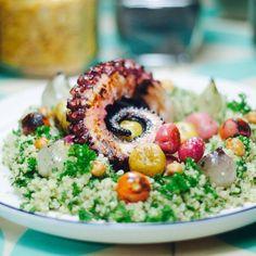 Nuestro tabule andino también lo pueden pedir con pulpo asado. Reservas al tel 5700218 Cobb Salad, Grains, Food, Recipes, Essen, Meals, Seeds, Yemek, Eten