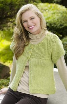Simple Spring Swing Cardigan Knitting Pattern | Red Heart