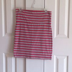 Forever 21 Striped Bodycon Skirt Gently worn form fitting skirt. Super cute and comfy. Great for summer!! Forever 21 Skirts