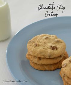 These easy Chocolate Chip Cookies are simply the BEST! They take no time at all to make and both regular and Thermomix instructions are included. Fun Desserts, Delicious Desserts, Dessert Recipes, Baking Recipes, Cookie Recipes, Easy Chocolate Chip Cookies, Thermomix Desserts, Star Food, Lunch Box Recipes