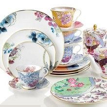 Wedgwood Butterfly Bloom dinnerware combines butterflies and flowers to create a beautiful design. Butterfly Bloom is Fine Bone China accented with a band of Gold  and dishwasher safe.