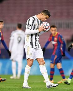 Foto Cristiano Ronaldo, Cristiano Ronaldo Wallpapers, Cr7 Messi, Messi Vs Ronaldo, Juventus Soccer, Juventus Fc, World Football, Football Team, Premier League