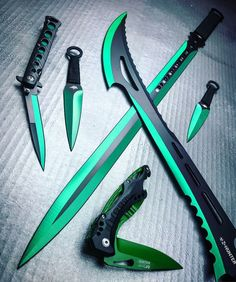Armas increibles Ninja Weapons, Weapons Guns, Survival Weapons, Survival Tools, Pretty Knives, Cool Knives, Swords And Daggers, Knives And Swords, Shuriken