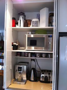 Organising To Make Life Easier: Kitchen Cupboards & Drawers - Part 1