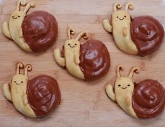 Here are the Adventure Time Snail Cinnamon Rolls we made on Nerdy Nummies! Adventure Time Birthday Party, Adventure Time Parties, Cinnamon Roll Frosting, Cinnamon Rolls, Rosanna Pansino Nerdy Nummies, Snails Recipe, Butter Ingredients, Unsweetened Cocoa, Cute Food
