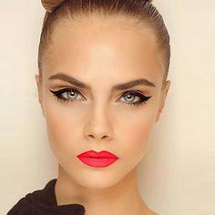 Cara Delevingne Make-Up. Bright Red Lips With Winged Black Eyeliner. Cara Delevingne, Cara Delevigne Makeup, Love Makeup, Makeup Tips, Makeup Looks, Perfect Makeup, Gorgeous Makeup, Makeup Ideas, Makeup Inspo