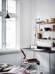 Black, white and vintage - via Coco Lapine Design
