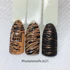 Nail art: tiger prints