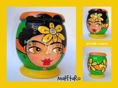 Resultado de imagen para mates pintados Mexican Garden, Paper Mache Bowls, Bottle Painting, Clay Pots, Flower Pots, Mugs, Tableware, Planters, Crafts
