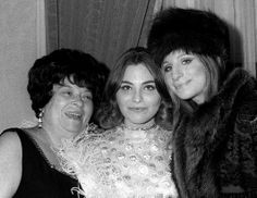 Barbra and Sister Roslyn Kind and mam Diana Kind