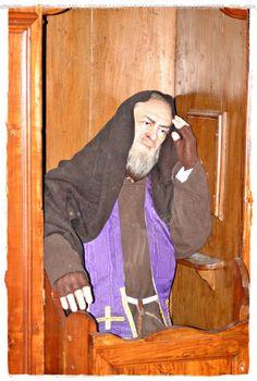 santo padre pio confesion krouillong comunion en la mano es sacrilegio stop communion in the hand