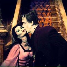 Yvonne De Carlo and Fred Gwynne The Munsters The Munsters, Munsters Tv Show, Munsters Grandpa, Vladimir Nabokov, La Familia Munster, Munster Family, Herman Munster, Lily Munster, Yvonne De Carlo
