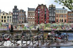 Wenn sich Grachten und Hausboote in einen grauen und nassen Schleier hüllen, dann bietet Amsterdam genug trockene Alternativen! Zehn Ideen