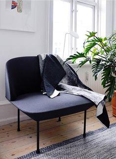 Via Emma-b.nl | Nina Bruun | Muuto Oslo Chair and Leaf Lamp