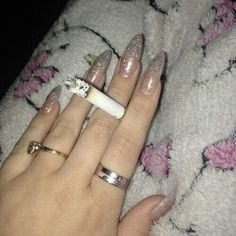 fuck cigs but these nails are cute Love Nails, How To Do Nails, Fun Nails, Pretty Nails, Stiletto Nails, Coffin Nails, Nailart, Acryl Nails, Grunge Nails