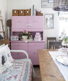 Cottage Style Decor, Shabby Chic Cottage, Shabby Chic Decor, Flea Market Decorating, Konmari, Retro Home, Home Interior, Hygge, My Dream Home