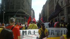 Ocupant Via Laietana.Manifestació fins al Parlament.No comencem Street View