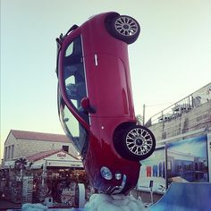 Funny way for parking a Fiat 500....;-)