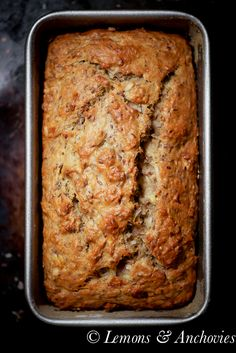 Vegan Banana Coconut Bread from Lemons and Anchovies. Vegan Desserts, Just Desserts, Delicious Desserts, Dessert Recipes, Yummy Food, Banana Coconut, Coconut Flour Banana Bread, Coconut Oil, Biscuits