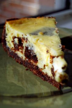 Life Tastes Good: Brownie Cheesecake Brownies and cheesecake .the best of both worlds Brownie Cheesecake, Best Cheesecake, Cheesecake Recipes, Dessert Recipes, Brownie Recipes, Yummy Treats, Sweet Treats, Yummy Food, Delicious Recipes