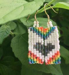 Pride Flag Rectangular Beaded Earrings Seed Bead Patterns, Beading Patterns, Beaded Earrings, Drop Earrings, Pride Flag, Beading Ideas, Shape Patterns, Seed Beads, Heart Shapes