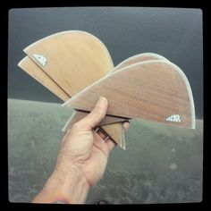 Custom handfoiled glass on keel fins in spanish cedar and african manohany woods. www.neyrafins.es