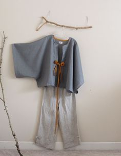 kimono outfit- gray+ gold+pebble linen by anny schoo Kimono Outfit, Casual Hijab Outfit, Kimono Fashion, Hijab Fashion, Boho Fashion, Fashion Dresses, Womens Fashion, Fashion Details, Sewing Clothes