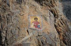 Икона Светог Пантелејмона на стијени код истоименог манастира у Самограду код Бијелог Поља