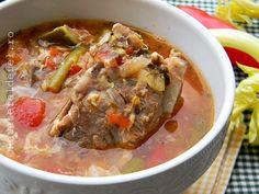 Imi plac ciorbele si supele ,le gatesc destul de des iar zilele trecute am … Thai Red Curry, Beef, Cooking, Ethnic Recipes, Supe, Romanian Recipes, Pork, Meat, Cuisine