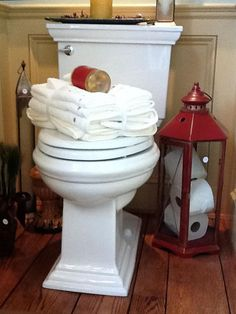 Big Ideas for Small Bathroom Storage: This red lantern was too pretty to throw out. So interior designer Jill Valeri of The Welcome Home Interior Design Solutions polished it up and found that it looked good enough to display in her bathroom. Small Bathroom Storage, Bathroom Organization, Bathroom Red, Bathroom Ideas, Bathroom Fixtures, Bathroom Renovations, Red Bathrooms, Rustic Bathrooms, Bathroom Curtains