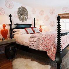 Bradshaw Kirchofer Gwendoline Spindle Bed