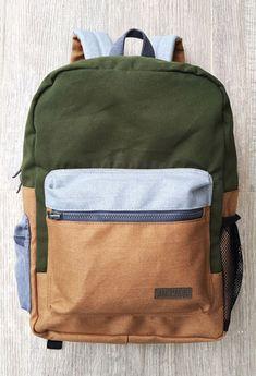 Morrales / Maletas / Backpacks / Maletines / Tulas - Mango Tango Backpack Bags, Fashion Backpack, Bags Game, Handbags For Men, Designer Backpacks, Cool Backpacks, Backpacker, Mens Clothing Styles, Leather Working