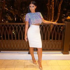A Simple Fall Fashion For Women Outfit With Metalic T-strap High Heels, Short Blouse, Pencil Skirt For Slimmer Look You Will Try In Fall Season Hot Outfits, Skirt Outfits, Stylish Outfits, Summer Outfits, Vogue, Fashion Killa, Fashion News, Formal, Dress To Impress