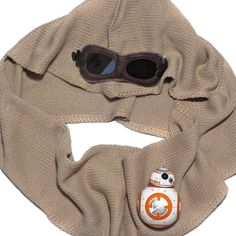 Star Wars Rey hooded scarf (with detachable goggles)