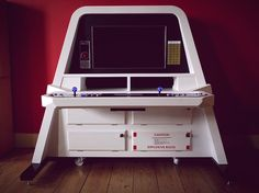 2001: A Space Odyssey inspired arcade cabinet