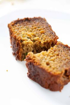 This AIP Zucchini Bread is packed with zucchini, which makes for a slightly savory sweet bread. It's perfect for spring when zucchini's are abundant. This recipe fits the paleo and autoimmune protocol diets. Autoimmune Diet, Aip Diet, Dieta Aip, Paleo Bread, Paleo Zucchini Bread, Paleo Baking, Paleo Food, Paleo Dessert, Sweet Bread