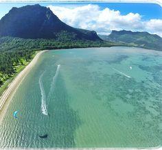 """Rider @doro_sfo Morning session in #lemorne #mauritius #kitesurfing #kiteboarding """