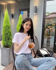 Korea Fashion, Pop Fashion, Fashion Photo, Korean Outfit Street Styles, Korean Outfits, Girl Korea, Ulzzang Korean Girl, Ulzzang Fashion, Couple Posing