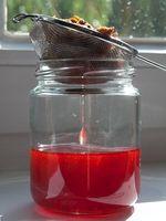 Johanniskraut: Rotöl selber machen