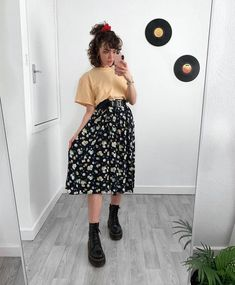 Grunge Outfits, Mode Outfits, Skirt Outfits, Fashion Outfits, Cute Casual Outfits, Retro Outfits, Vintage Outfits, Dress Up, Dress Skirt