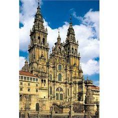 """Menschen aus aller Welt pilgern jedes Jahr zu dieser berühmten Kathedrale, welche am Ende des """"Camino de Santiago"""" - des Jakobsweges - in Galicien steht"""
