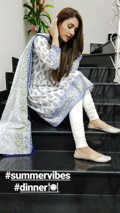 Pakistani Fashion Party Wear, Pakistani Fashion Casual, Pakistani Wedding Outfits, Indian Fashion Dresses, Dress Indian Style, Indian Designer Outfits, Fancy Dress Design, Stylish Dress Designs, Simple Pakistani Dresses