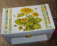 PROYECTO PASO A PASO - Artística MONITOR Decoupage, Monitor, Decorative Boxes, Home Decor, How To Paint, Tiles, Porcelain Ceramics, Pintura, Artists