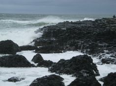 Giant's Causeway | storm rolling in