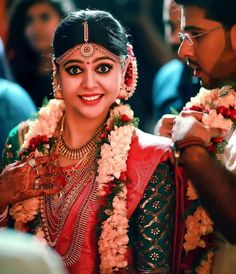 📣📣📣Whatsapp on Order📲📱📞 Kerala Wedding Saree, Kerala Bride, Hindu Bride, South Indian Bride, Saree Wedding, Indian Wedding Makeup, Indian Wedding Photos, Indian Bridal Wear, Wedding Beauty