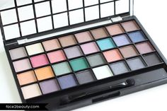 Brights (#85041) http://www.eyeslipsface.fr/produit-beaute/palette-maquillage-32-ombres-a-paupieres