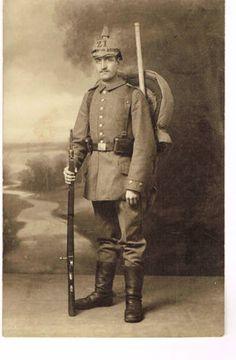 WWI-Photo-No-160-spike-helmet-rifle-inf-rgt-21