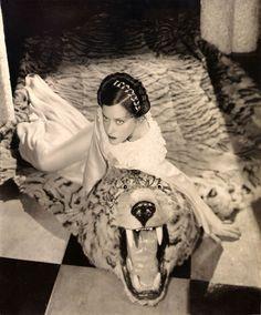 Gloria Swanson | silentfilm.org